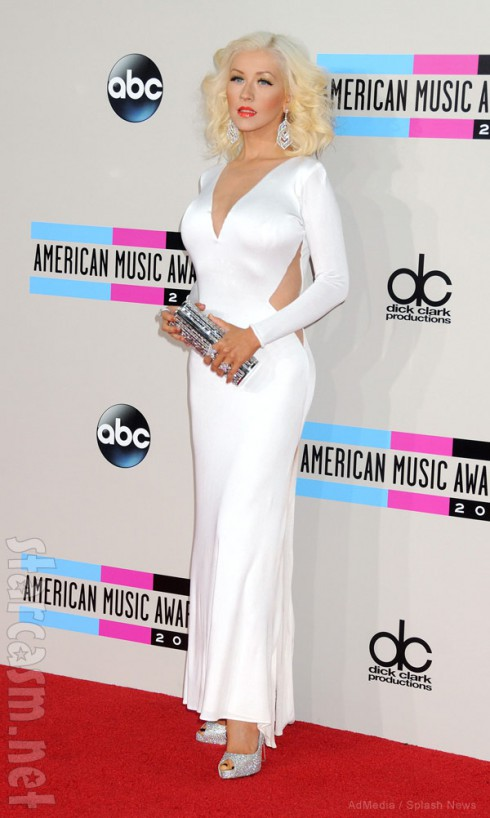 Christina Aguilera 2013 American Music Awards red carpet