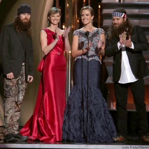 Duck Dynasty 2013 CMAs - Presenting Award