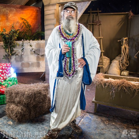 Duck Dynasty Christmas Special Uncle Si wise man Nativity Scene