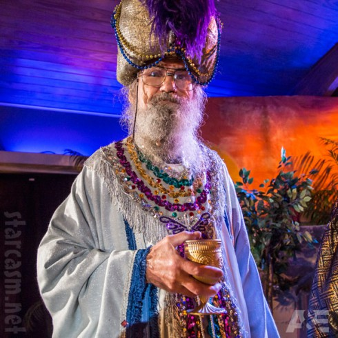 Uncle Si as a wise man in the Nativity Scene from the 2013 Duck Dynasty Christmas Special