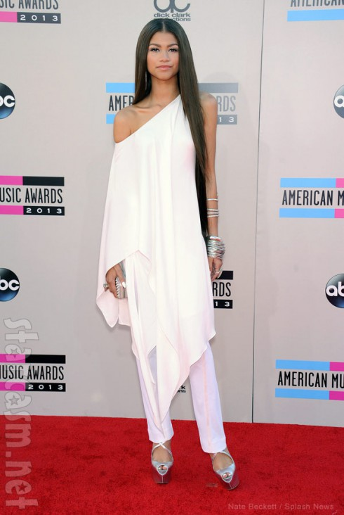 Zendaya Coleman 2013 American Music Awards red carpet