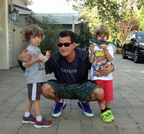 Charlie-Sheen-with-Bob-and-Max