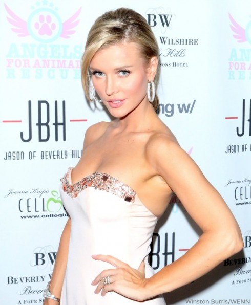 Joanna Krupa - Angels 4 Animal Rescue - Dec 10