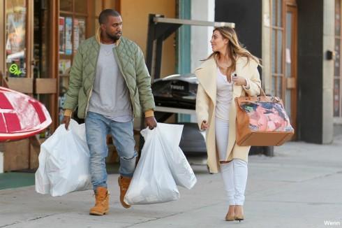 Kanye and Kim Kardashian - Christmas Present