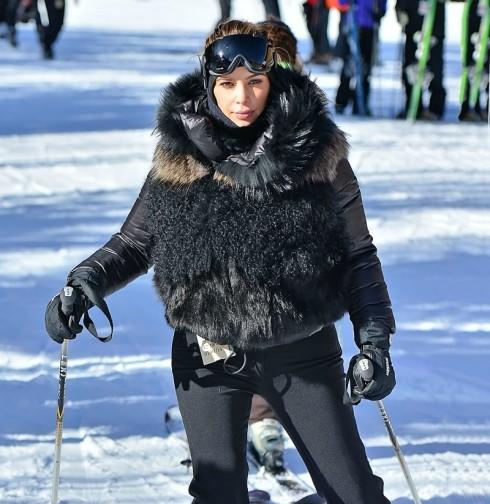 Kim Kardashian - Skiing Park City Utah