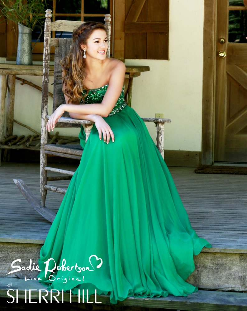 Photos Duck Dynasty S Sadie Robertson Modeling Live Original Prom Dress Line For Sherri Hill