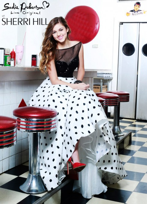 Sadie Robertson prom dress modeling
