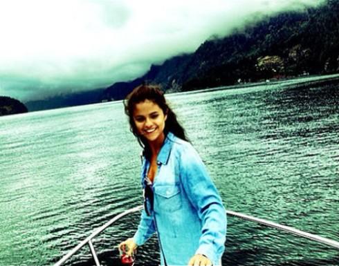 Selena Gomez - Rehab