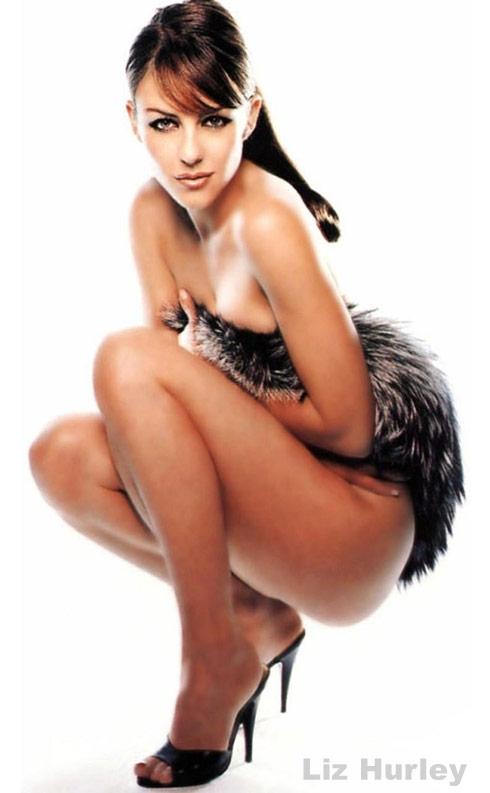 Elizabeth Hurley sexy modeling photo