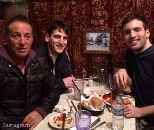 Bruce-Springsteen-with-sons-Evan-and-Sam