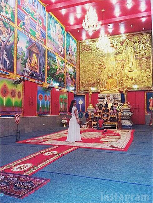 Kim Kardashian Buddhist temple blessed Thailand