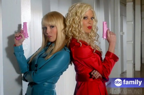 Mystery Girls Tori Spelling and Jennie Garth