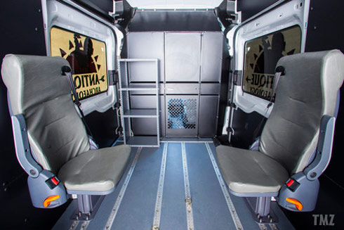 Photos What Kind Of Van Do The American Pickers Drive A 2015 Ford Transit