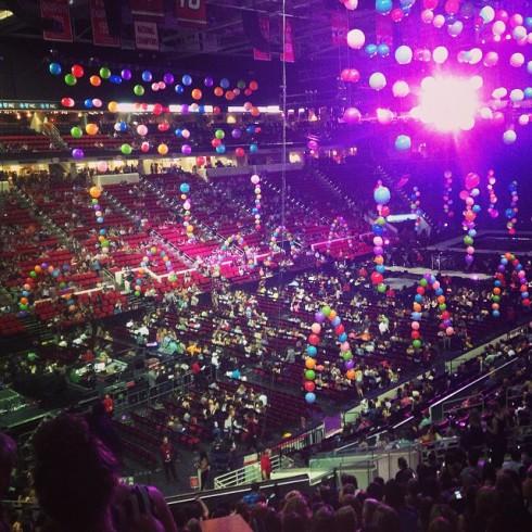 Jenelle Evans Miley Cyrus concert photo Raleigh