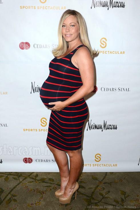 Kendra Wilkinson pregnant photo 2014
