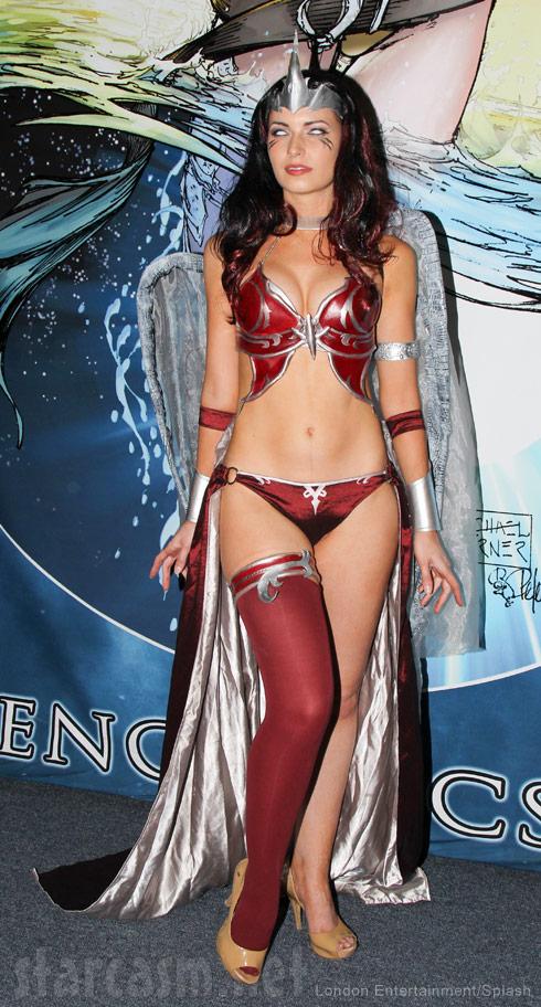 2014 Comic-Con cosplay sexy super hero