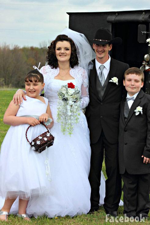 Return to Amish Chapel Peace Andrew Schmucker wedding photo