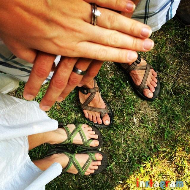 Photos Derick Dillard And Jill Duggar S Wedding Rings Plus 4th Of July Kiss And More