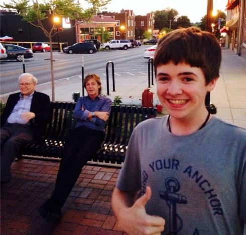 Tom White Selfie with Paul McCartney Warren Buffet