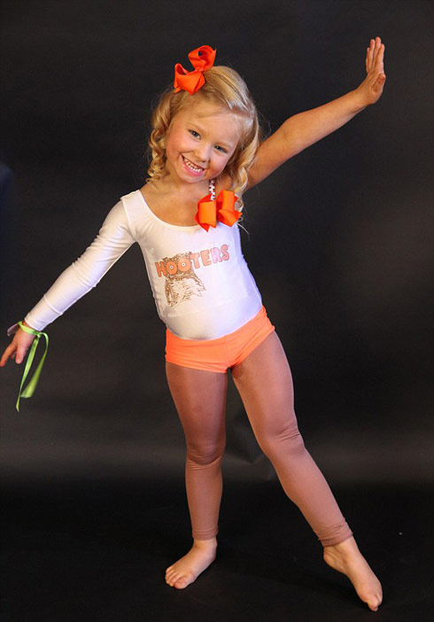 4-year-old beauty pageant contestant Scralett in a Hooters costume from Blinging Up Baby