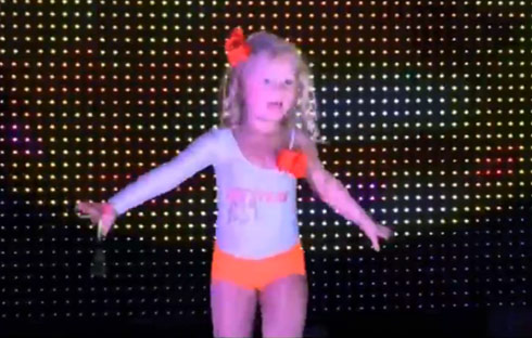 Blinging Up Baby Hooters Scarlett performance