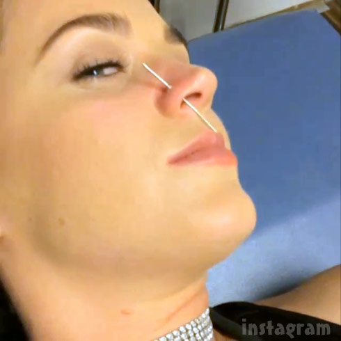 Video Does Getting Your Nose Pierced Hurt Find Out From Katy Perry