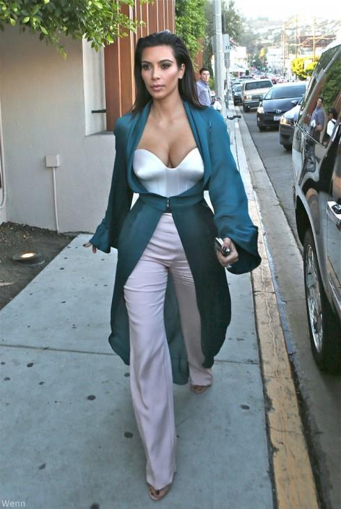 Kim Kardashian - Jimmy Kimmel Live Outfit
