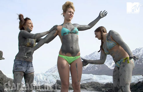 MTV Slednecks cast members in bikinis - click to enlarge