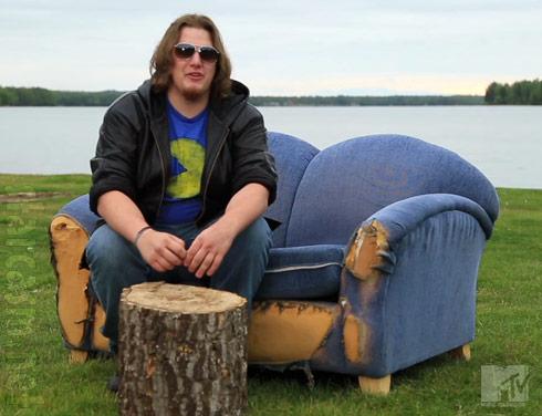 MTV Slednecks cast couch