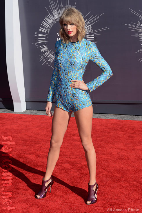Taylor Swift 2014 VMA red carpet romper