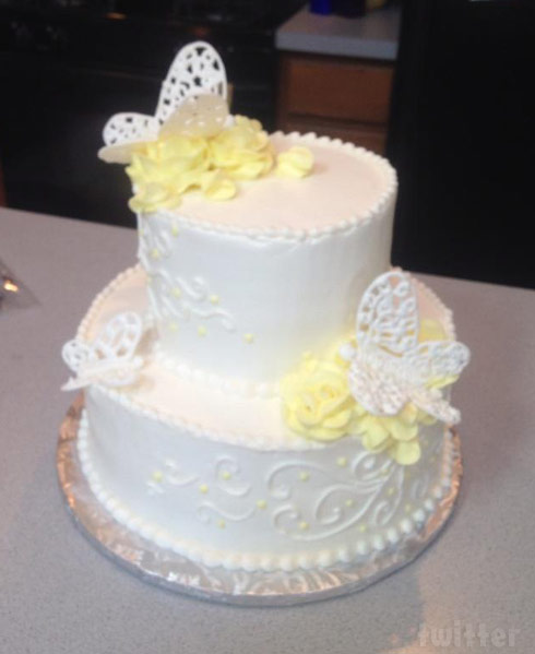 Teen Mom Cate;ynn Lowell's mom April wedding cake