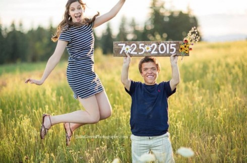 Zach Roloff and Tori Patton Engagement Picture - Wedding Date