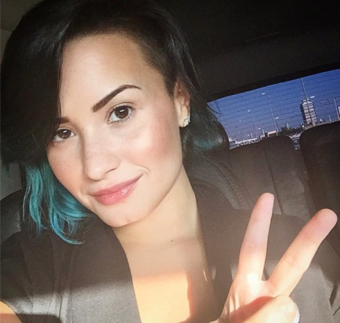 Demi Lovato Mostly Makeup Free