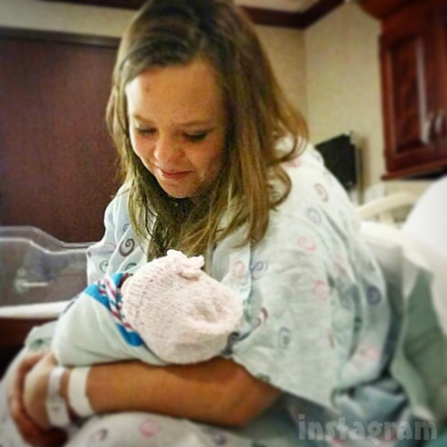 Catelynn Lowell and her baby daughter January 1 2015