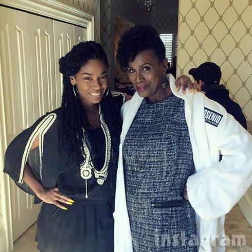 D. Woods Janet Hubert Life Twirls On TV show by Kenya Moore
