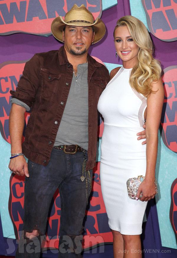 Jason Aldean wife Brittany Kerr