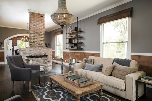 do the people on hgtv's fixer upper keep the furnishings?