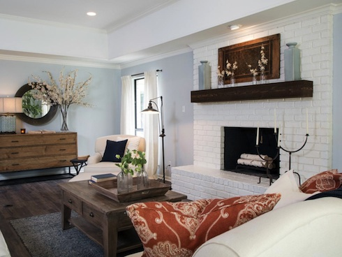 Hgtv Has Got A Huge Hit On Its Hands With The Texas Based Fixer Upper And It S Not Hard To See Why Endearing Chip Joanna Gaines Run Renovation