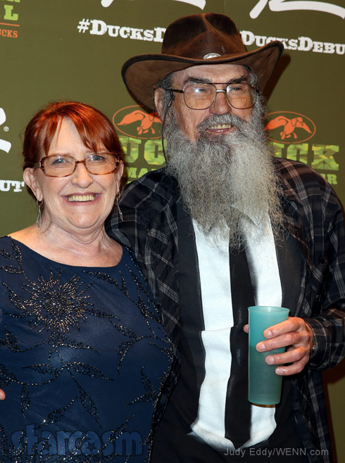 PHOTOS Uncle Si Robertsons wife Christine makes rare