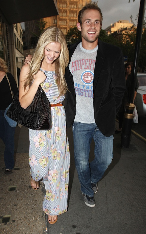 Is Brooklyn Decker Pregnant When Is She Due