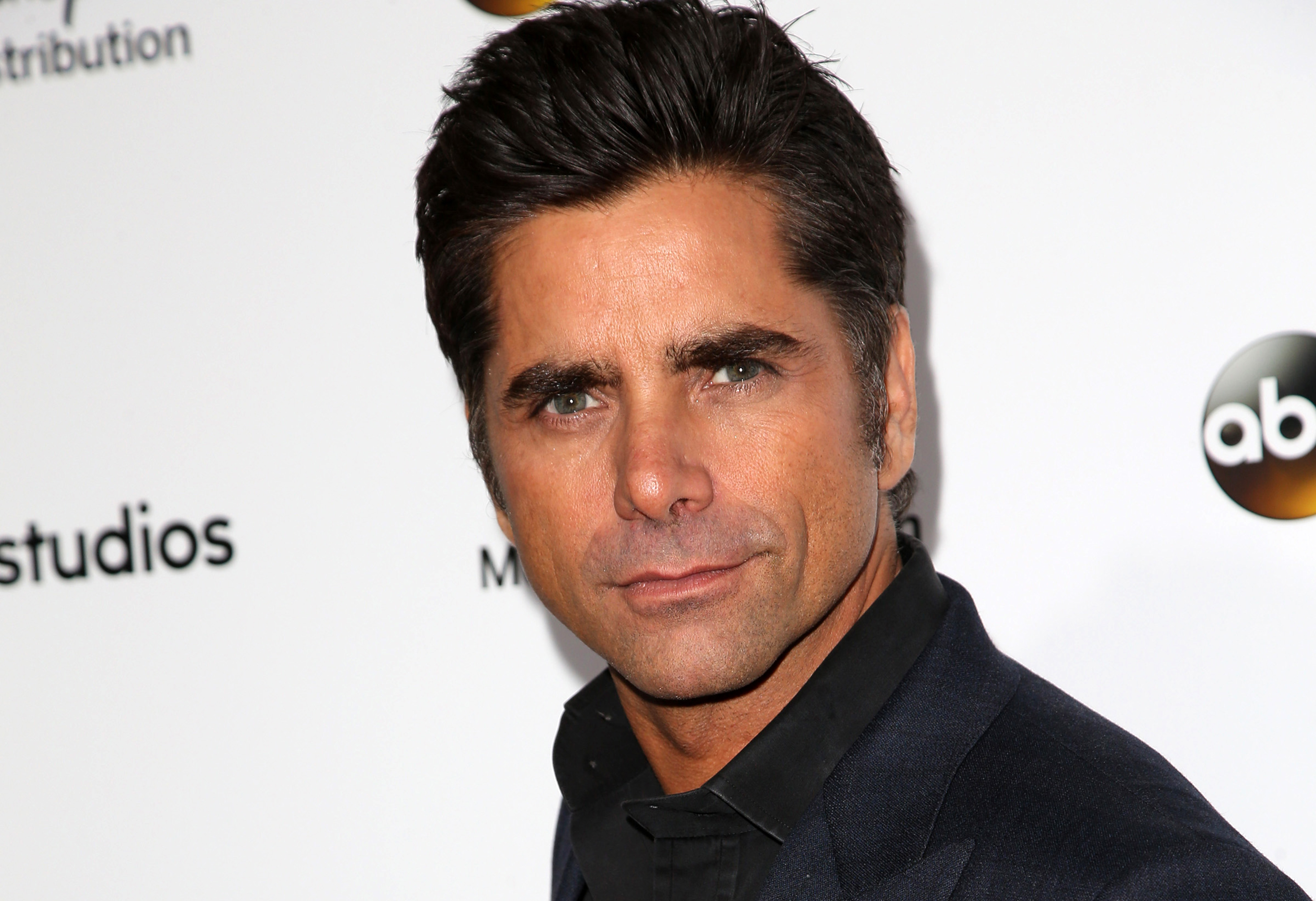 Does John Stamos have a drinking problem?
