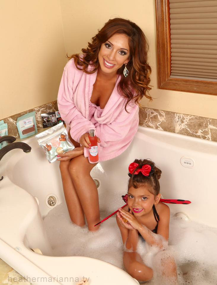 Farrah Abraham Sophia Mommy and Me tub