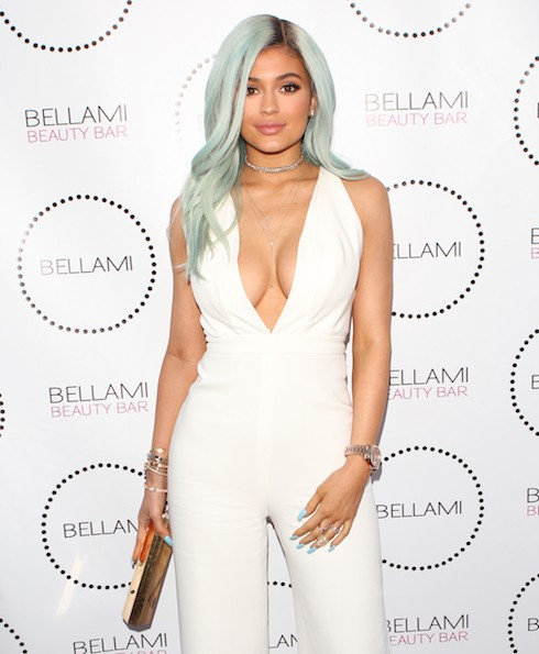 Kylie Jenner Rocks Blue Hair Serious Cleavage Without Tyga