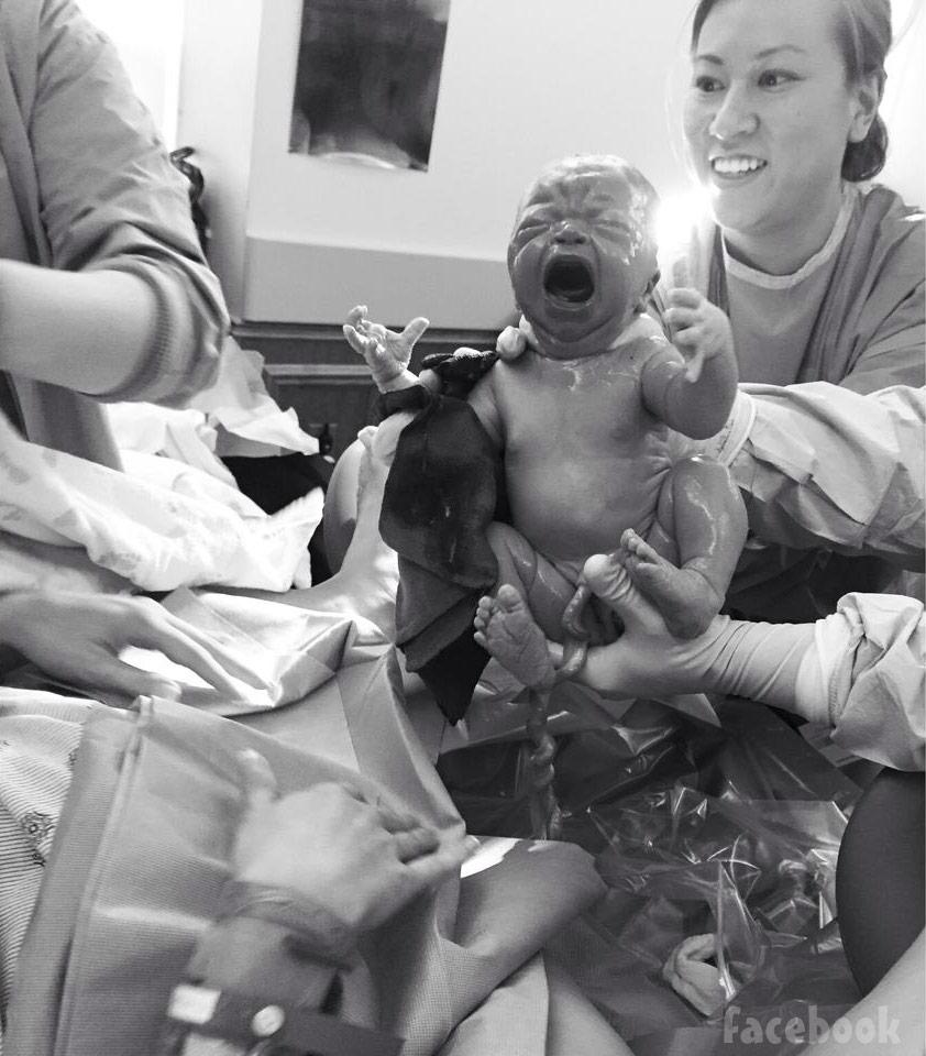 Nikkole Paulun birth photo daughter Ellie Jade 2015