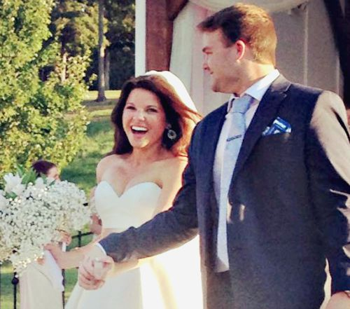 Amy Duggar S Wedding Photos Her Second Dress The Duggars And More