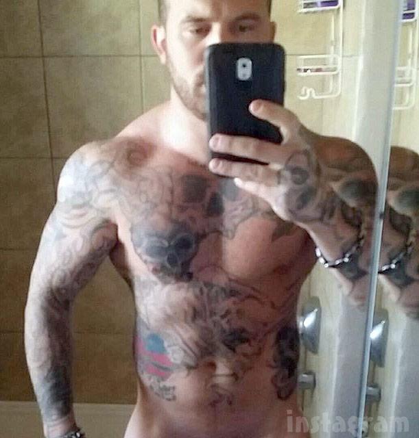 Nude Adam Lind