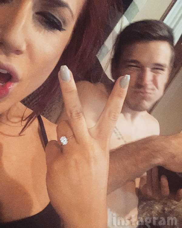 Chelsea Houska engagement ring Cole DeBoer