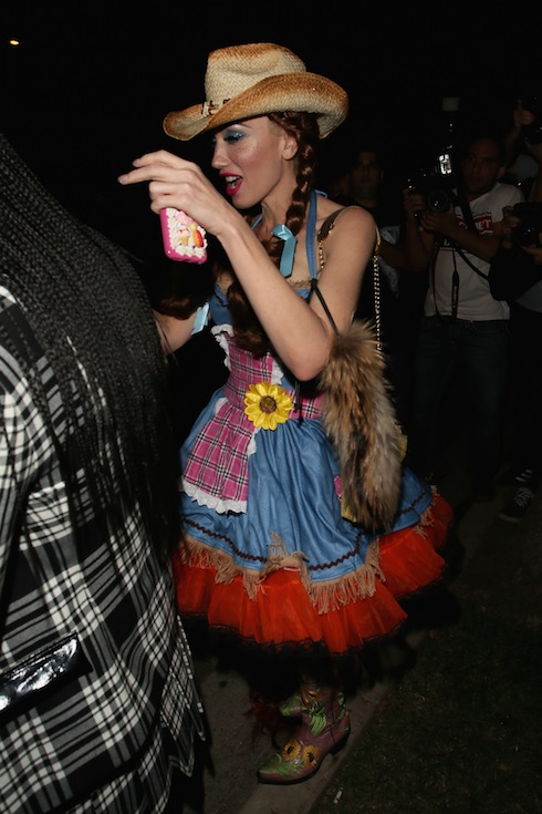 Gwen Stefani seen attending the Casa Amigos Halloween party Featuring: Gwen Stefani Where: Los Angeles, California, United States When: 30 Oct 2015 Credit: Michael Wright/WENN.com