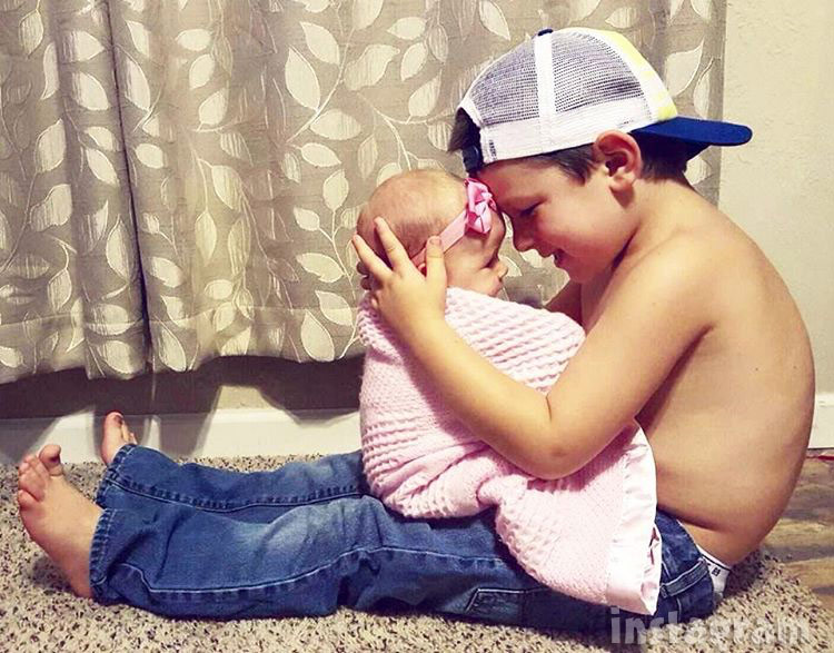 Nikkole Paulun son Lyle and daughter Ellie