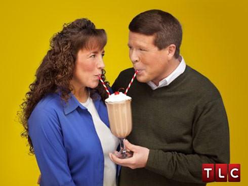 Jim Bob and Michelle Duggar shake